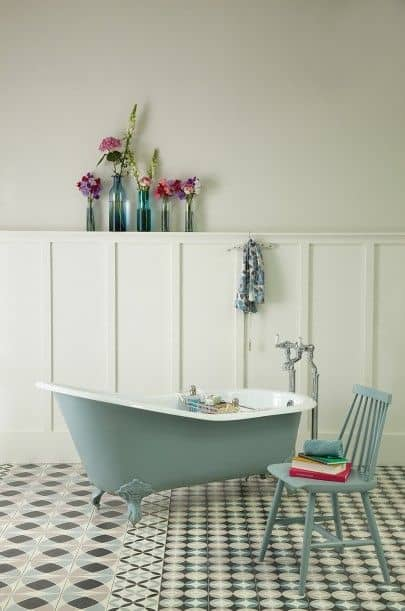 Décor salle de bains - Farrow and Ball - Oval Room Blue 85 and Slipper Satin 2004